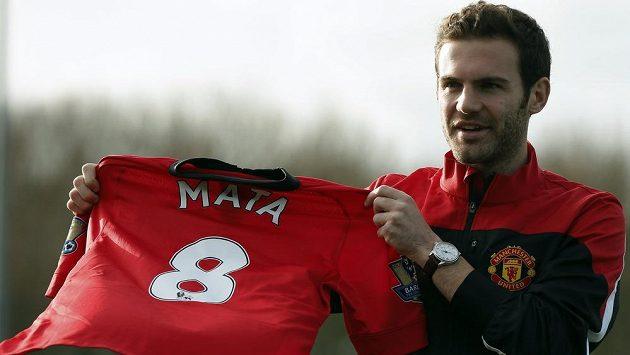 Za Juana Matu utratil Manchester United 45 miliónů eur.