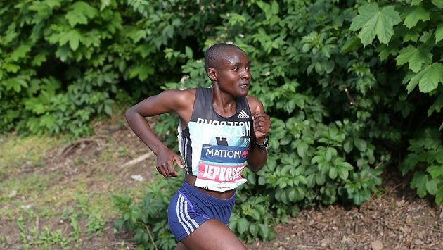 Joyciline Jepkosgeiová je sedmou nejrychlejší půlmaratónkyní světa.