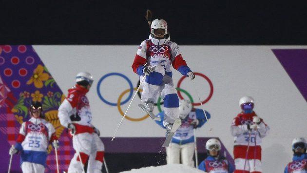 Ruská skikrosařka Maria Komissarovová se těžce zranila při tréninku a olympiáda pro ni skončila.