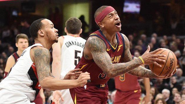 Basketbalista Clevelandu Cavaliers Isaiah Thomas v duelu s Portlandem.