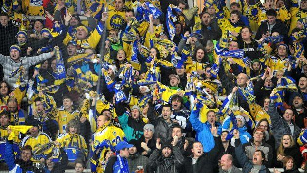 Fanoušci Zlína se radují po jedné z branek do sítě Komety Brno.