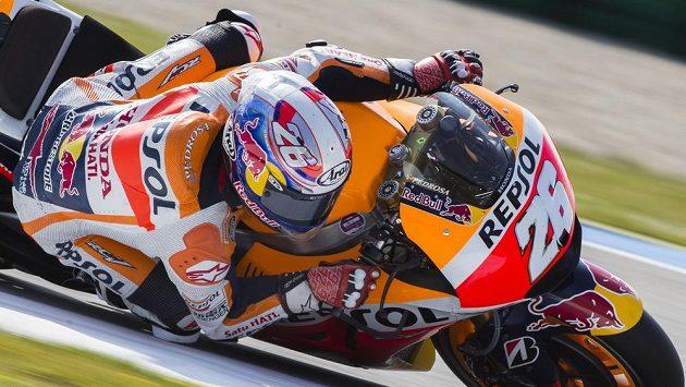 Španěl Dani Pedrosa na hondě při tréninku třídy MotoGP v Assenu.