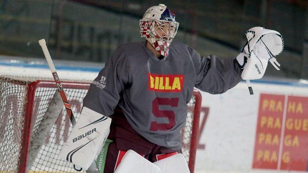 Michal Neuvirth během sparťanského tréninku.