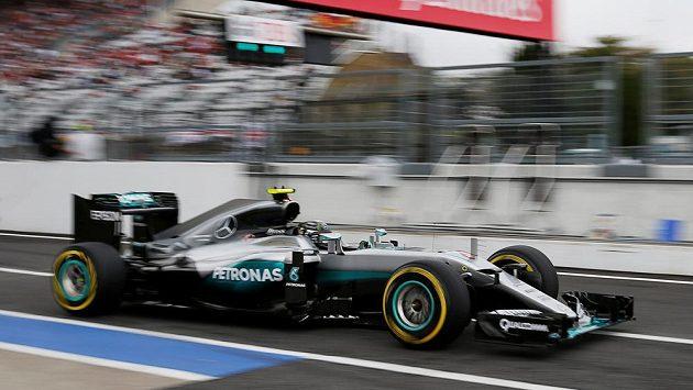 Nico Rosberg na trati v Suzuce.