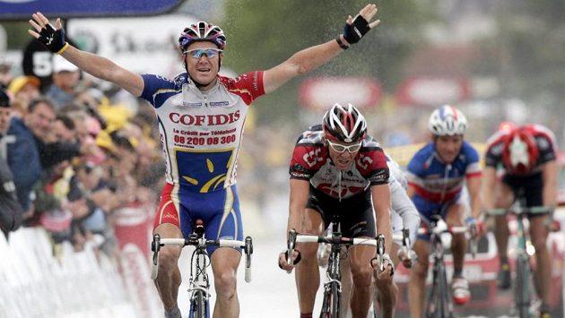 Australský cyklista Stuart O'Grady při vítězné etapě na Tour.