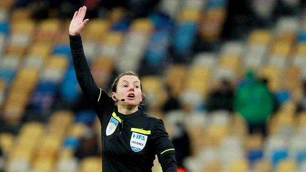 Rozhodčí Kateryna Monzulová bude řídit zápas anglické fotbalové reprezentace