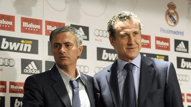 Bývalý trenér Realu Madrid José Mourinho (vlevo) a někdejší ředitel klubu Jorge Valdano
