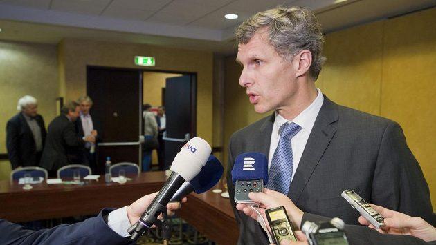 Předseda Českého olympijského výboru Jiří Kejval po mimořádném zasedáním výkonného výboru k dotační kauze.