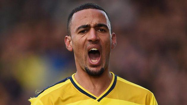 Oxfordský záložník Kemar Roofe jásá po gólu proti Swansea.