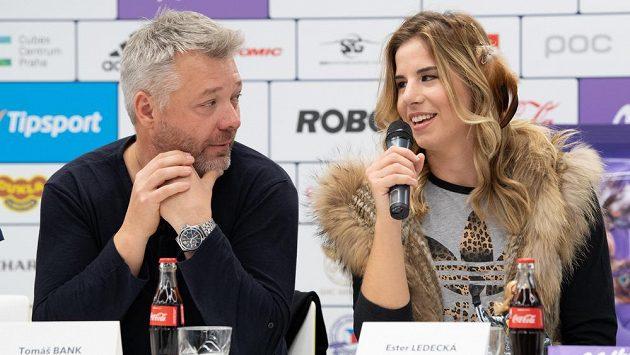 Tomáš Bank a Ester Ledecká během tiskové konference před sezonou.