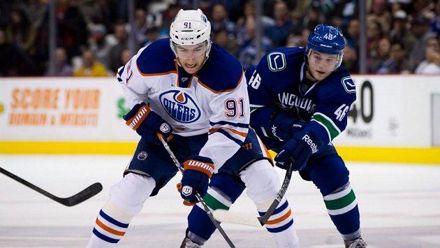 Dán Nicklas Jensen (vpravo) v dresu Vancouveru.