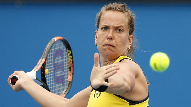 Česká tenistka Barbora Strýcová v zápase s Američankou Vaniou Kingovou.