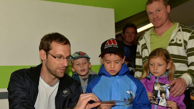 Největší zájem byl mezi dětmi o gólmana Petra Čecha.