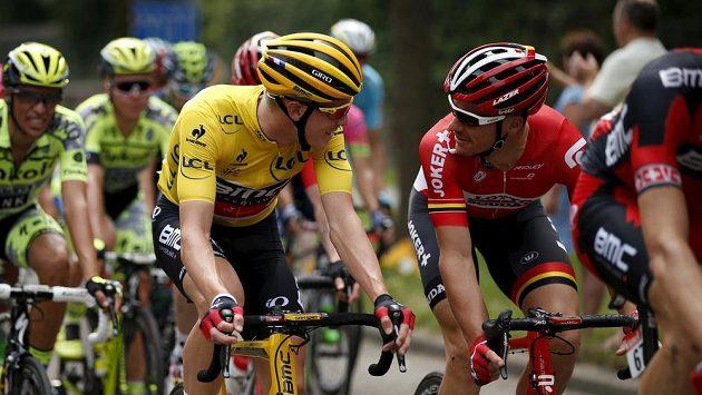 Australan Adam Hansen s krajanem Rohanem Dennisem na počátku tohoto ročníku Tour de France.
