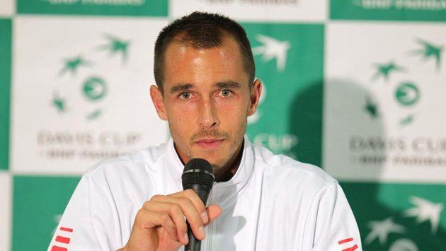 Lukáš Rosol na tiskové konferenci po vítězství nad Jo-Wilfriedem Tsongou ve čtvrtfinále Davisova poháru.