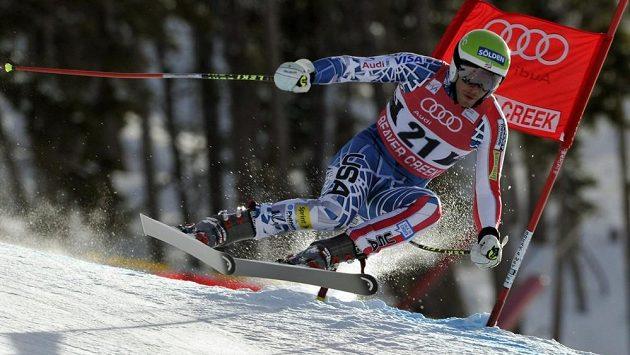Americký lyžař Bode Miller na trati v Beaver Creeku.