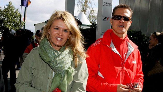 Corinna a Michael Schumacherovi na archivním snímku z roku 2006.