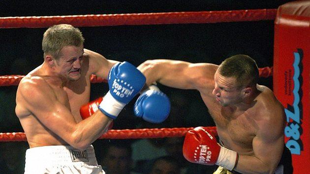 Český boxer Luboš Šuda (vpravo).