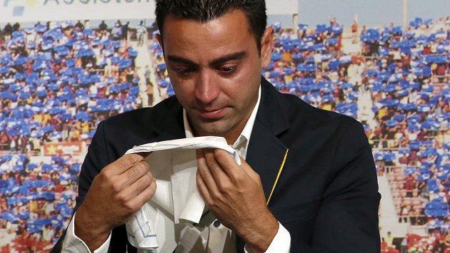 Bývalý španělský fotbalový reprezentant Xavi, který momentálně trénuje katarský tým Al Sád, přiznal, že dostal nabídku trénovat Barcelonu. Někdejší úspěšný hráč katalánského celku však odmítl s tím, že na to je ještě příliš brzy.