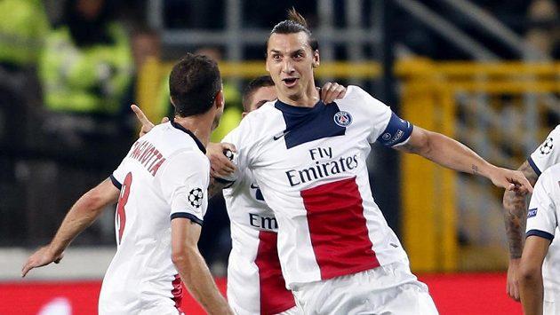 Útočník Paris Saint-Germain Zlatan Ibrahimovic se raduje z jednoho z gólů, které vstřelil Anderlechtu.