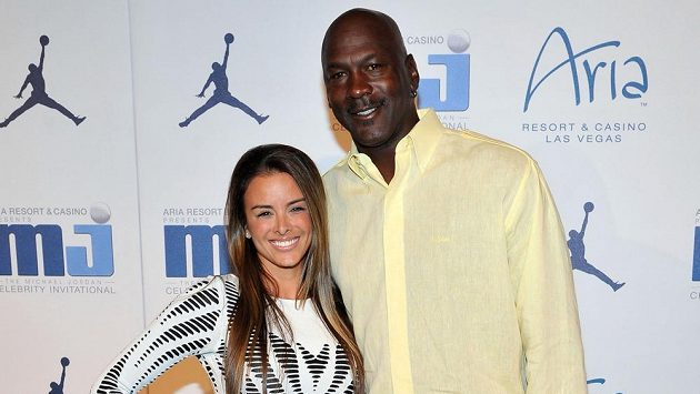 Bývalý basketbalista Michael Jordan s manželkou Yvette.