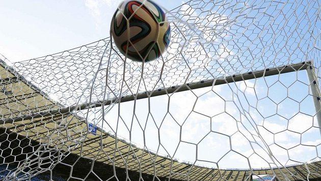 Finále se bude hrát s míčem v jiném barevném vyvedení.