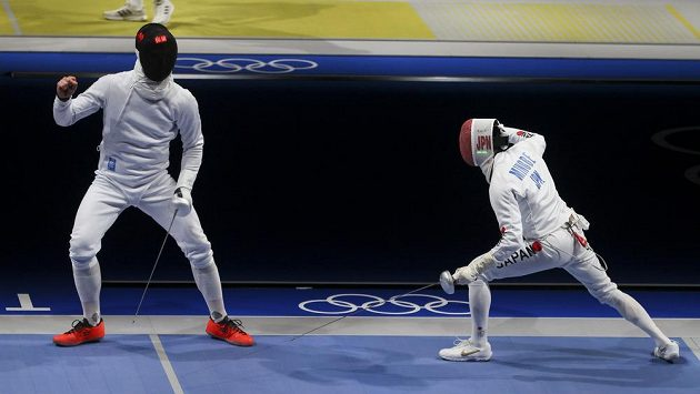 Jakub Jurka (vlevo) vypadl hned v prvním kole s Japoncem Kazujasu Minobem.