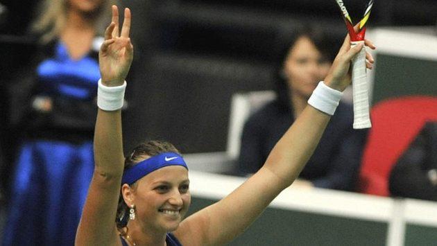 Dobojováno! Petra Kvitová se raduje po vítězném míči proti Samantě Stosurové.
