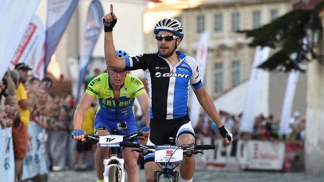 Fabian Giger vyhrál závod horských kol Pražské schody.