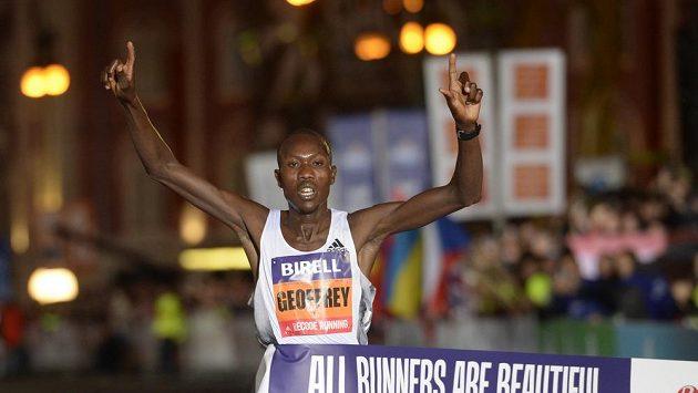 Mezinárodní závod Birell Grand Prix v běhu na 10 kilometrů vyhrál Geoffrey Koech.