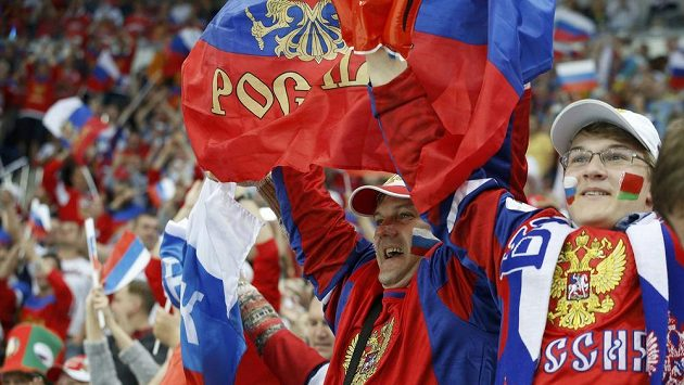 Ruští fanoušci měli po zisku titulu sborné v Minsku důvod k radosti.
