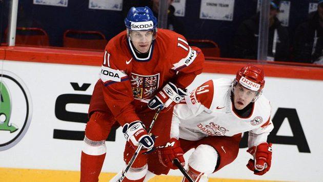 Petr Hubáček (vlevo) ujíždí před Dánem Jesperem Jensenem.