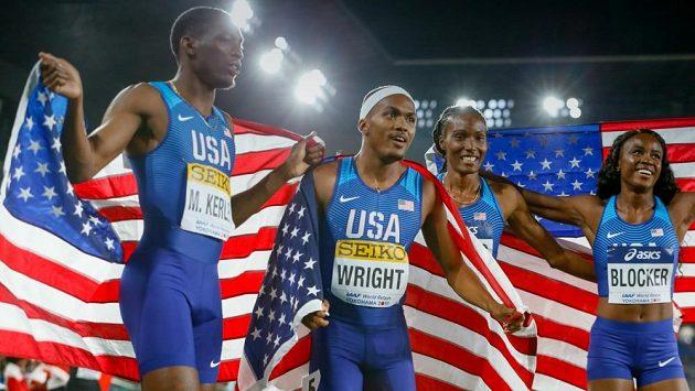Takto se radovalo americké smíšené kvarteto z vítězství na World relays v Jokohamě.