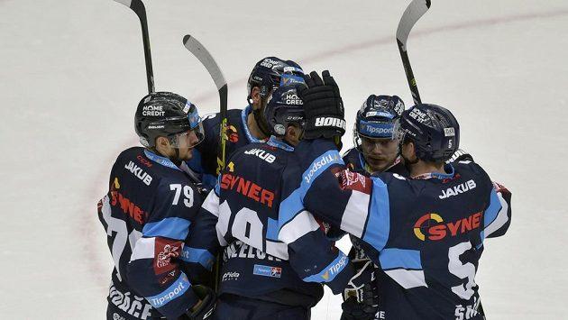 Hokejisté Liberce se radují z branky