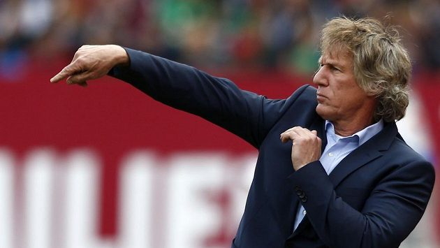 Odvolaný trenér Norimberku Gertjan Verbeek