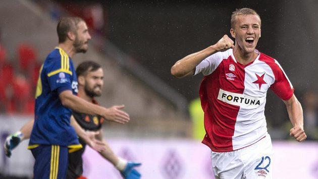 Tomáš Souček ze Slavie oslavuje gól na 3:0 během utkání s Jihlavou.