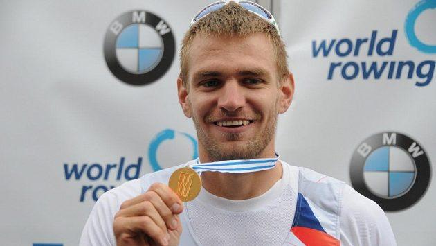 Ondřej Synek se zlatou medailí z mistrovství světa v Amsterdamu.