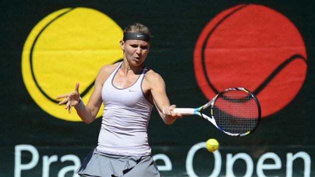 Lucie Šafářová v zápase s Aleksandrou Kruničovou.