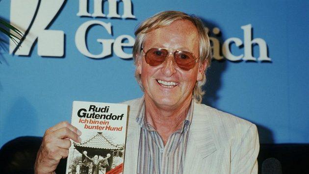 Rudi Gutendorf, trenérská legenda, která koučovala 55 týmů zemřela ve věku 93 let.