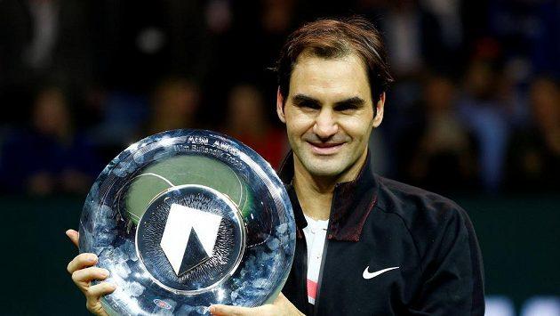 Švýcarský tenista Roger Federer získal rekordní pátou cenu Laureus za vítězství v hlavní kategorii Sportovec roku.