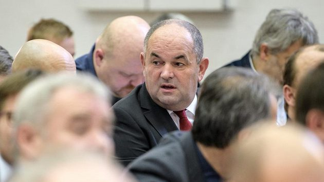 Miroslav Pelta, bývalý předseda FAČR, během Mimořádné Valné hromady FAČR ve sportovním centru Nymburk.