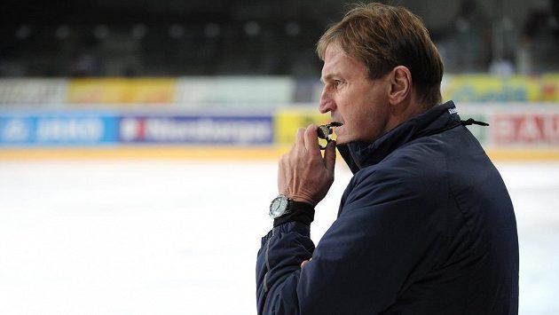Trenér Alois Hadamczik během tréninku české hokejové reprezentace na archivním snímku