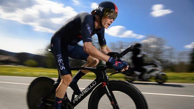 Australan Rohan Dennis z týmu Ineos Grenadiers na úvod závodu Kolem Romandie.