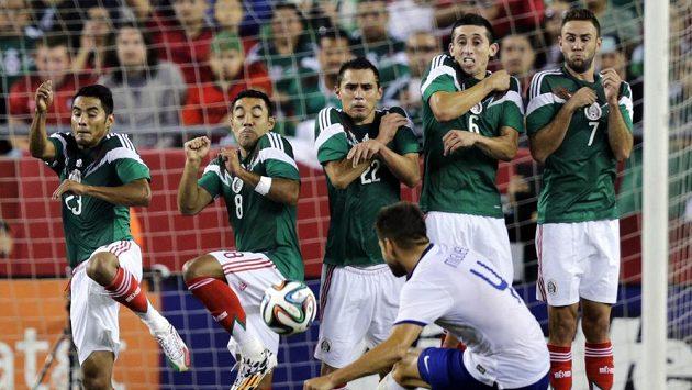 Mexičtí fotbalisté mají neúprosného trenéra.