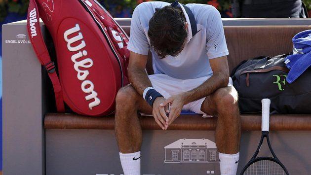 Roger Federer vypadl v Gstaadu s Němcem Danielem Brandsem.