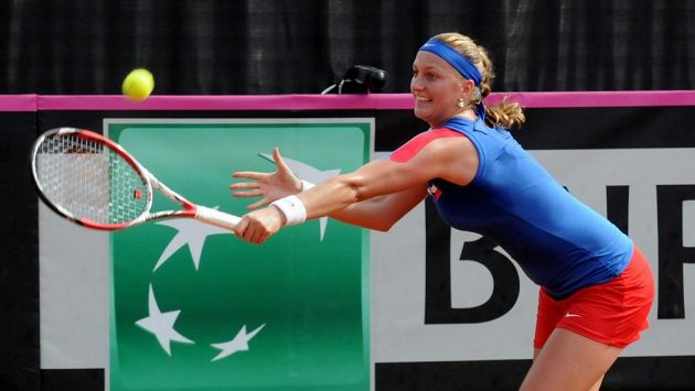 Kvitová po vzoru Šafářové také padla. Český tým tak prohráva ve semifnále Fed Cupu s Itálií 0:2