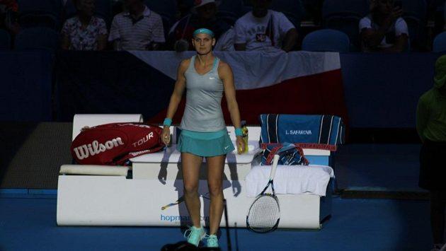 Česká tenistka Lucie Šafářová podlehla na Hopmanově poháru po obrovské bitvě Sereně Williamsové.