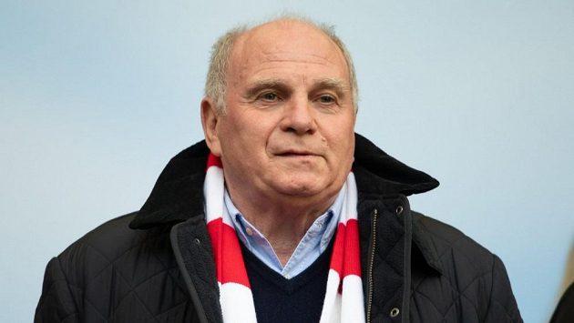 Uli Hoeness v Bayernu skončí
