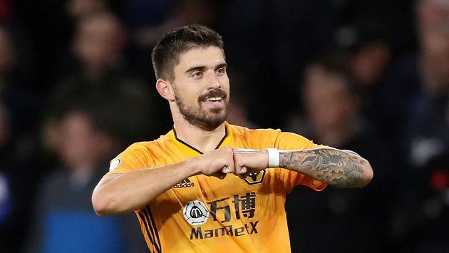 Ruben Neves z Wolverhamptonu se raduje z gólu proti Manchesteru United.