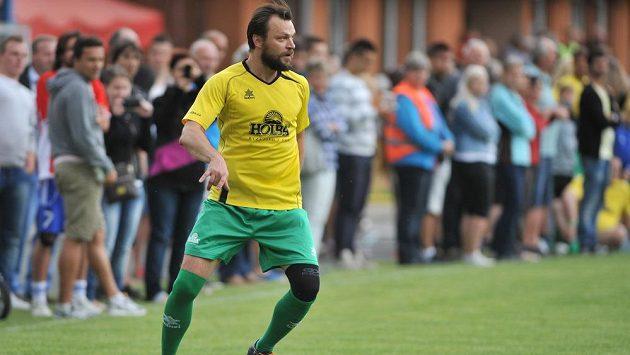 Bývalý fotbalový reprezentant Tomáš Ujfaluši (na snímku) během benefičního utkání v Rýmařově.